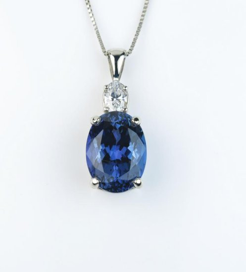 Gorgeous ladies necklace featuring a fine Kashmir color African Tanzanite weighing