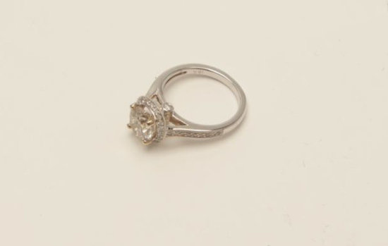 Approx. 2 1/2 ct estimated weight Diamond Solitaire in 18k White Gold