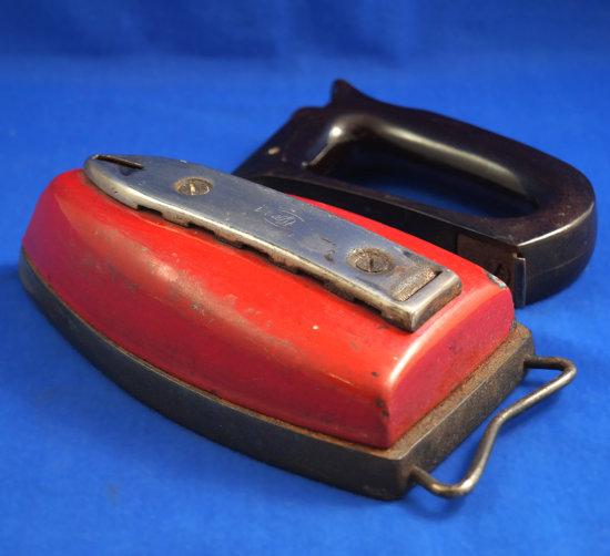 "SAD iron, Czechoslovakia, 1920 - 1930, removeable  handle, Ht 5"", base 7"" long"