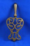 Brass trivet with 1 1/4