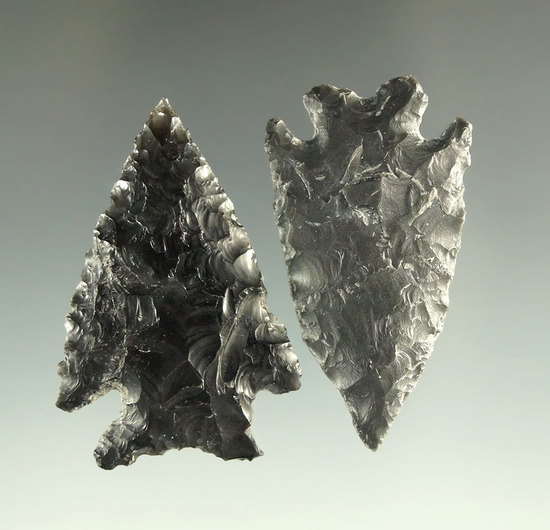 Ex. Museum! Pair of obsidian arrowheads found in the Great Basin Area that are nicely styled.