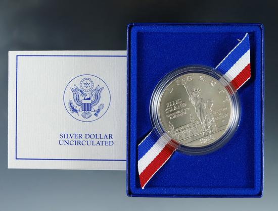 1986-P Uncirculated Statue of Liberty Commemorative Silver Dollar in Original Box with COA