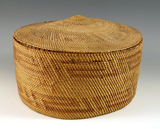 Tightly woven vintage Lidded Basket that is well made in very good condition.