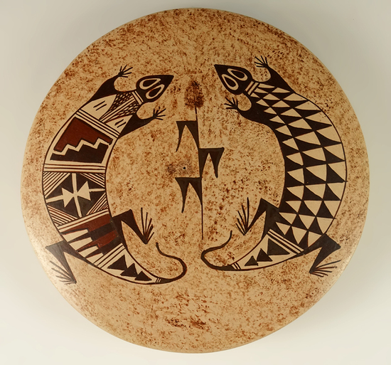 "Beautifully crafted 5"" diameter contemporary pottery vessel signed on bottom by artist Nona Naha."