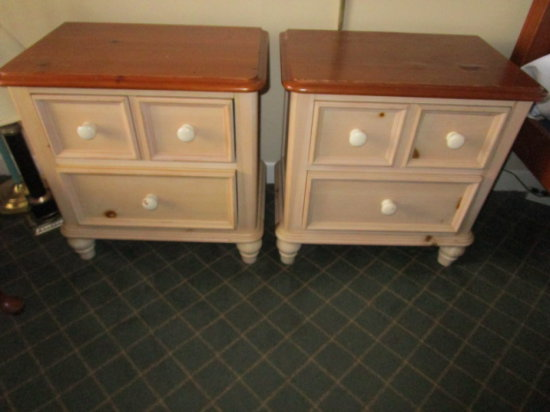 Rm 144 Pair of Broyhill Pine Night Stands