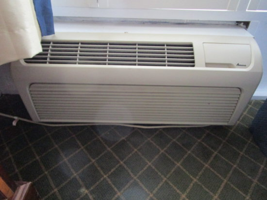 Rm 176 Amana Air Conditioning/Heat Wall Unit