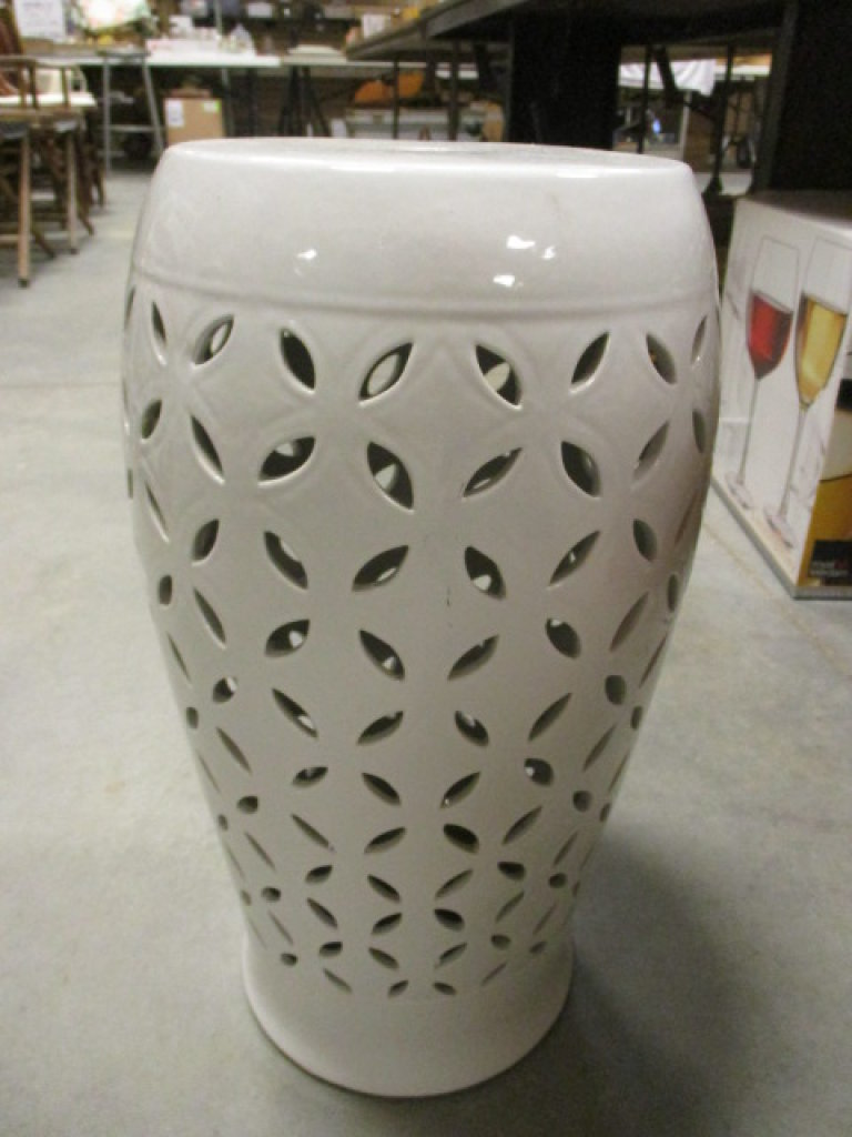 White Pottery Pedestal Stand with Lattice Design