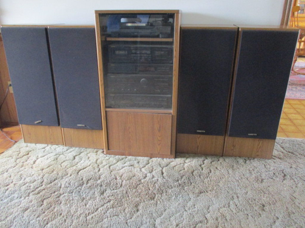 Onkyo Stereo System In Cabinet With 4 Onkyo Speakers
