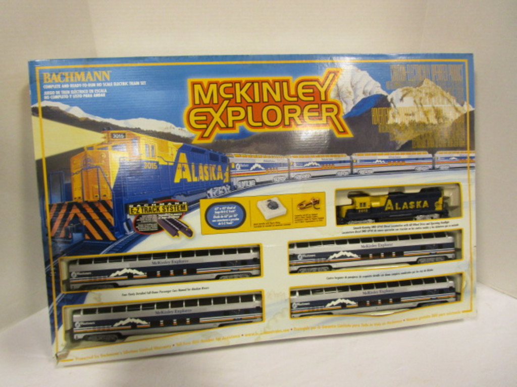 Bachmann McKinley Explorer HO Scale Electric Train Set