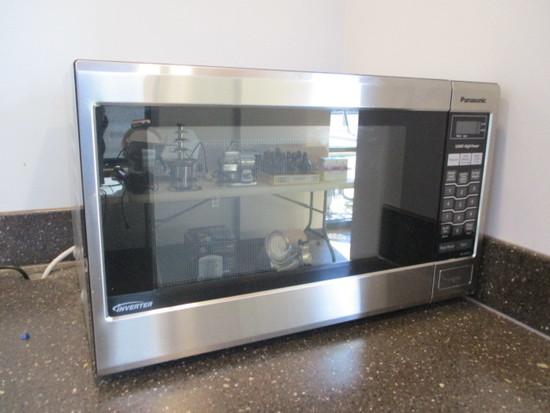 Panasonic 1200W Microwave