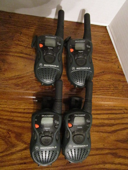 Four Motorola Talkabout T6220 Walkie Talkies Two Midland Gxt650 X Tra Talk Estate Personal Property Personal Property Online Auctions Proxibid