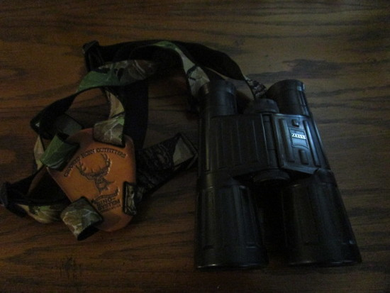 Zeiss T*P* 2191841 Binoculars with Crooked Horn Outfitters Bino-System Strap