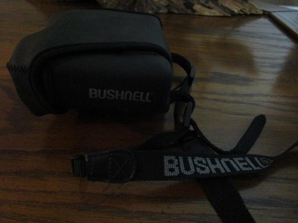 Bushnell Yardage Pro 500 Binoculars in Case