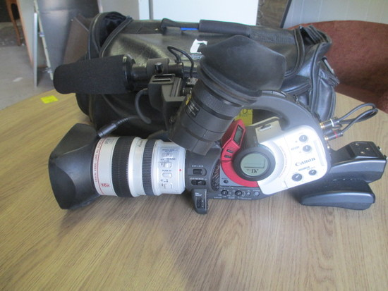 Canon XL 1s 3ccd Digital Video Camcorder w/case