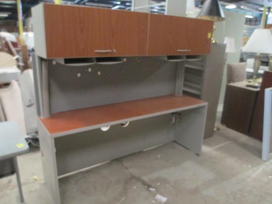 Cubicle Desk w/Top Cabinet