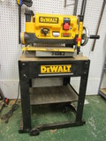 DeWalt Planer with 3 Knife Cutter Head