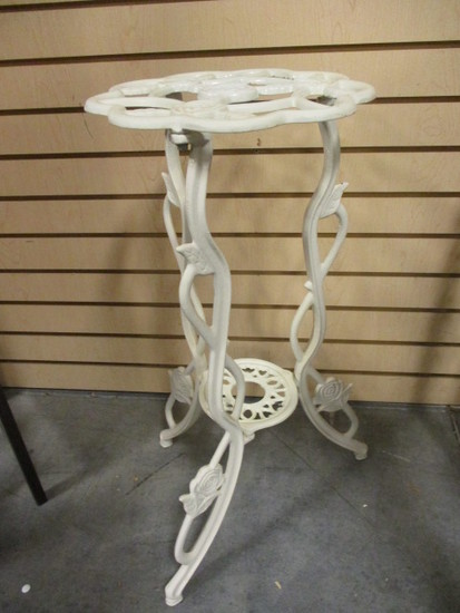 Coated White Cast Metal Stand/Pedestal