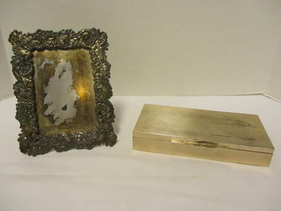 Derby Silver Co. Quadruple Plate Photo Frame and Silverplated Wood Lined