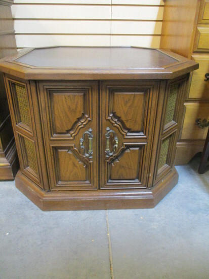 Vintage Magnavox Octagonal End Table Stereo Console