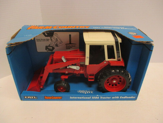 Ertl Farm County International 1586 Tractor With Endloader