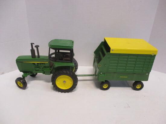 Ertl John Deere Tractor And Harvester