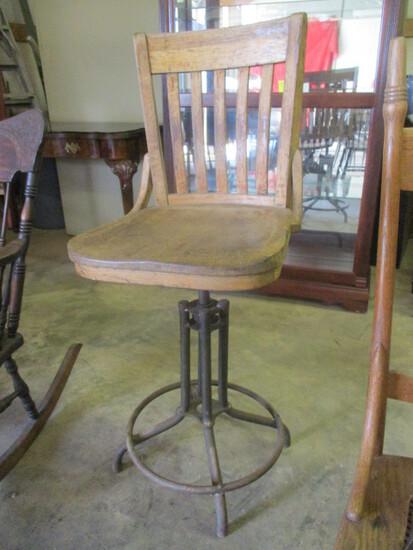 Antique Oak Swiveling Chair