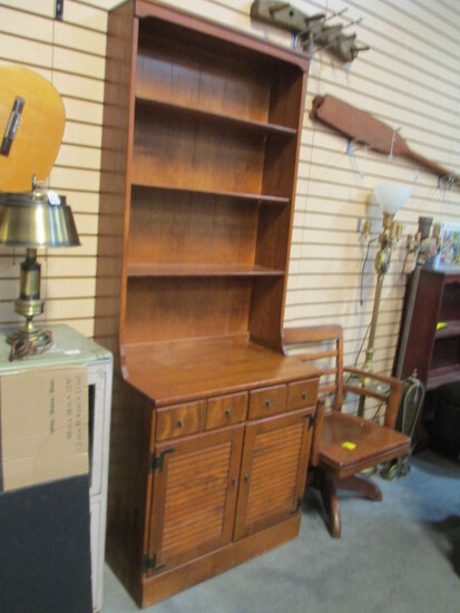 Ethan Allen 2-Piece Hutch With Louvered Door Base Cabinet
