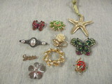 Lot of 10 Broches