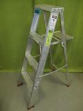 Sturdy 4ft. Aluminum Step  Ladder
