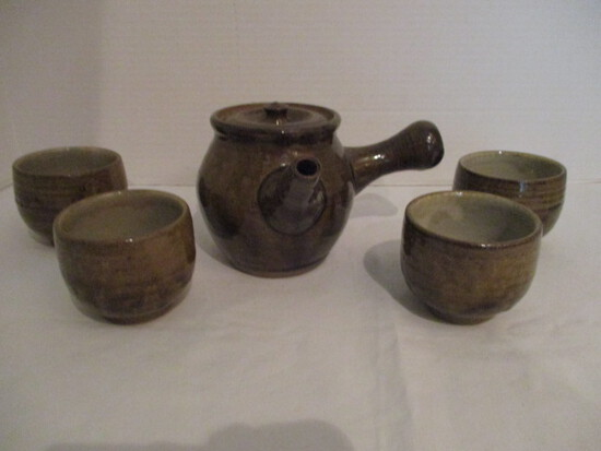 Japanese Pottery Teapot with Four Cups