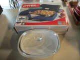 Pyrex Portables 9 x 13 Food Carrier Set and 2.8 Liter Corning French White Dish with Lid