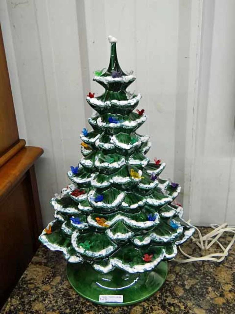 Lot Vintage Lighted Ceramic Christmas Tree 2 Pc 18 5 Tall