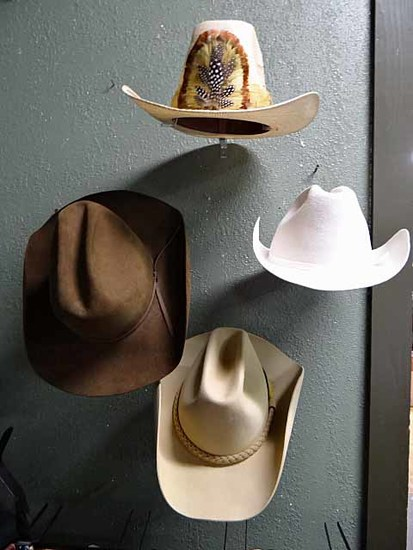 1cfcacea97a (4) Men s Western   Cowboy Hats   Acrylic Wall Mount Displays  Stetson 5X  From Olsen s In Madras