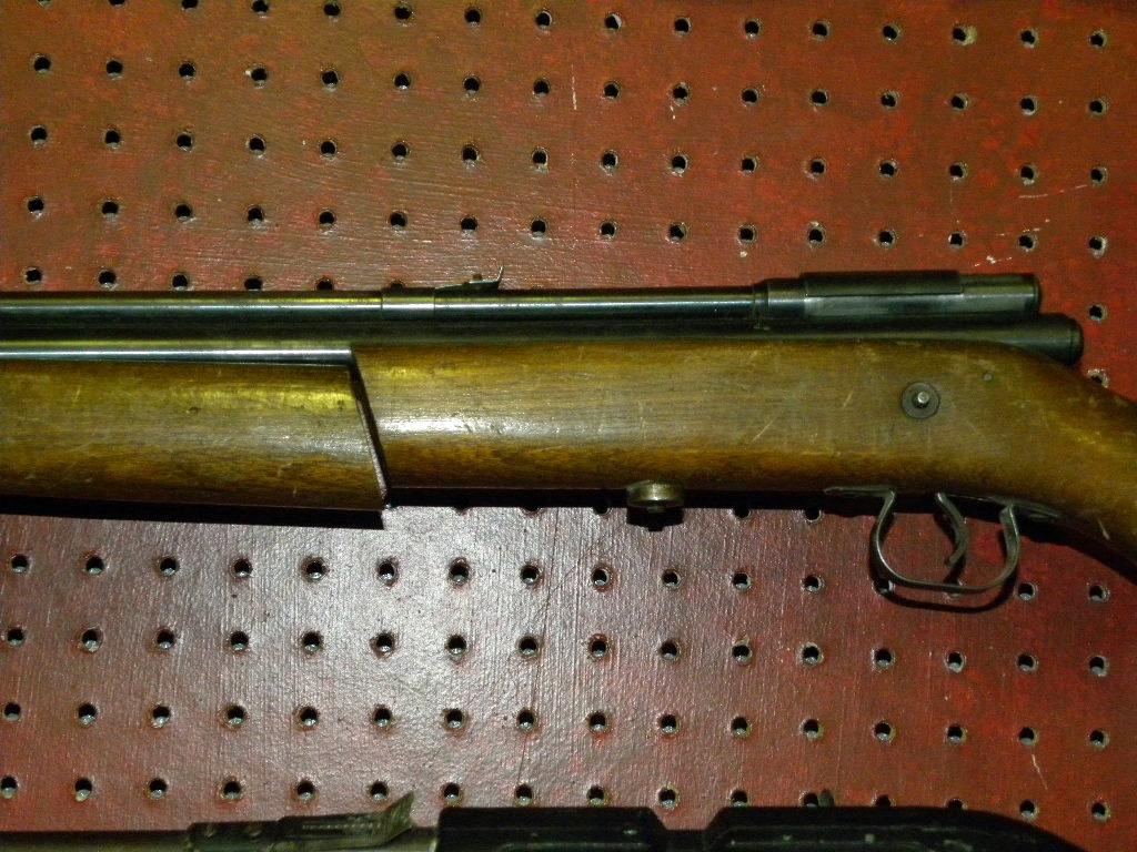 Lot: 2 Vintage Crosman Pellet/ BB Guns: Model 140 With Nice