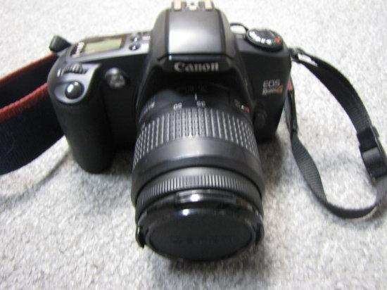 Canon EOS 35MM camera with EF AF lens & flash