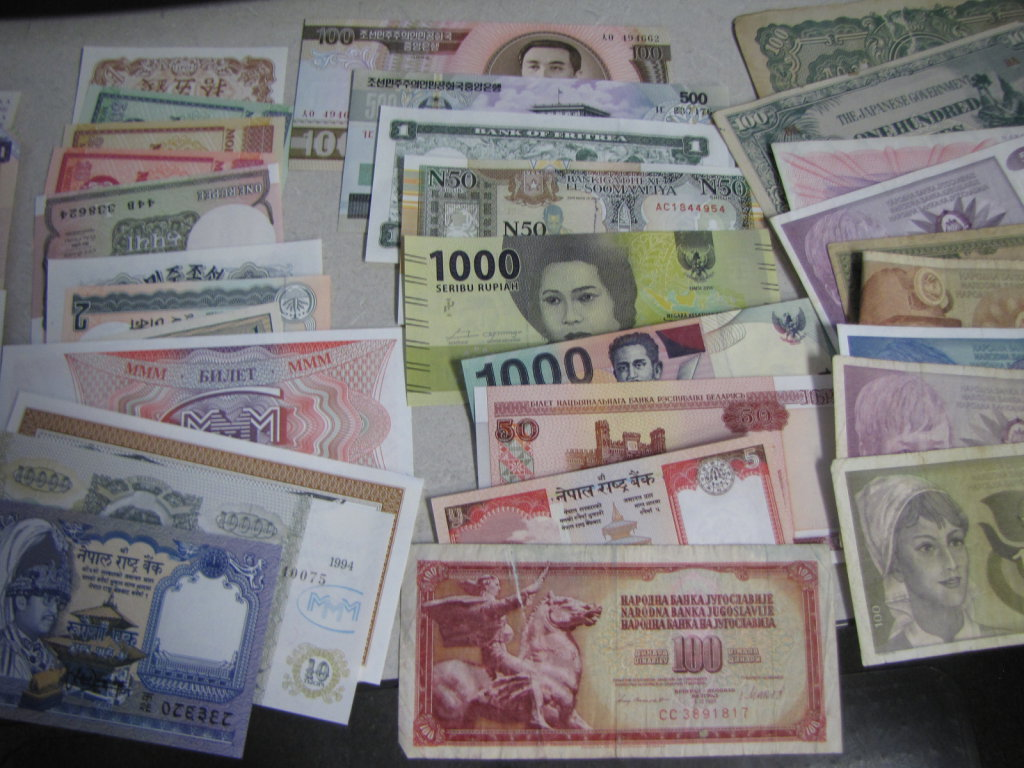 world wide currency lot of 52 pieces