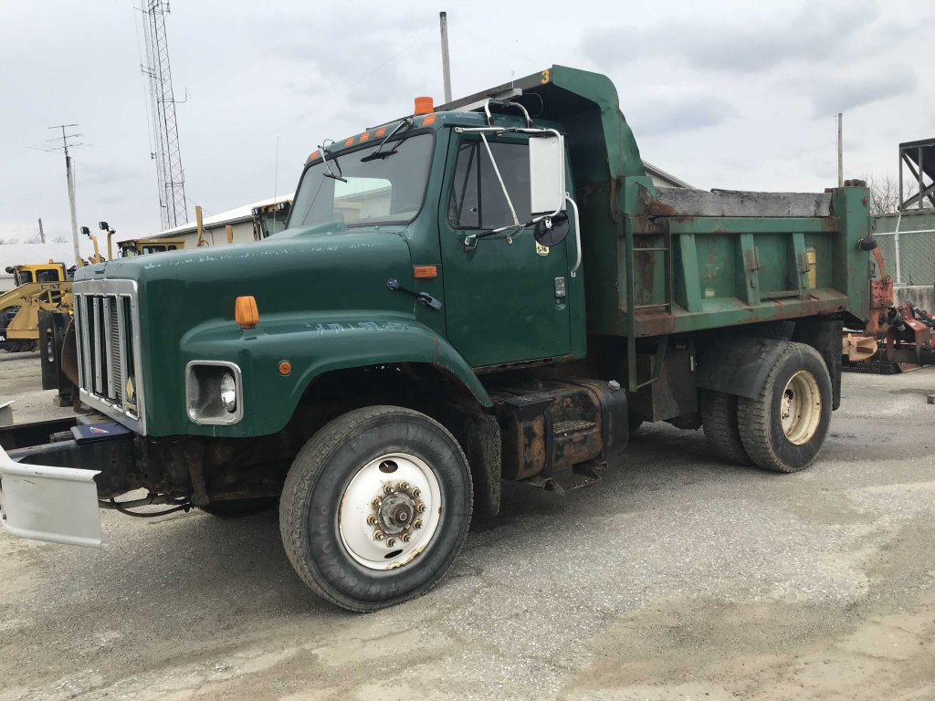 2000 International dump truck (fleet #3)