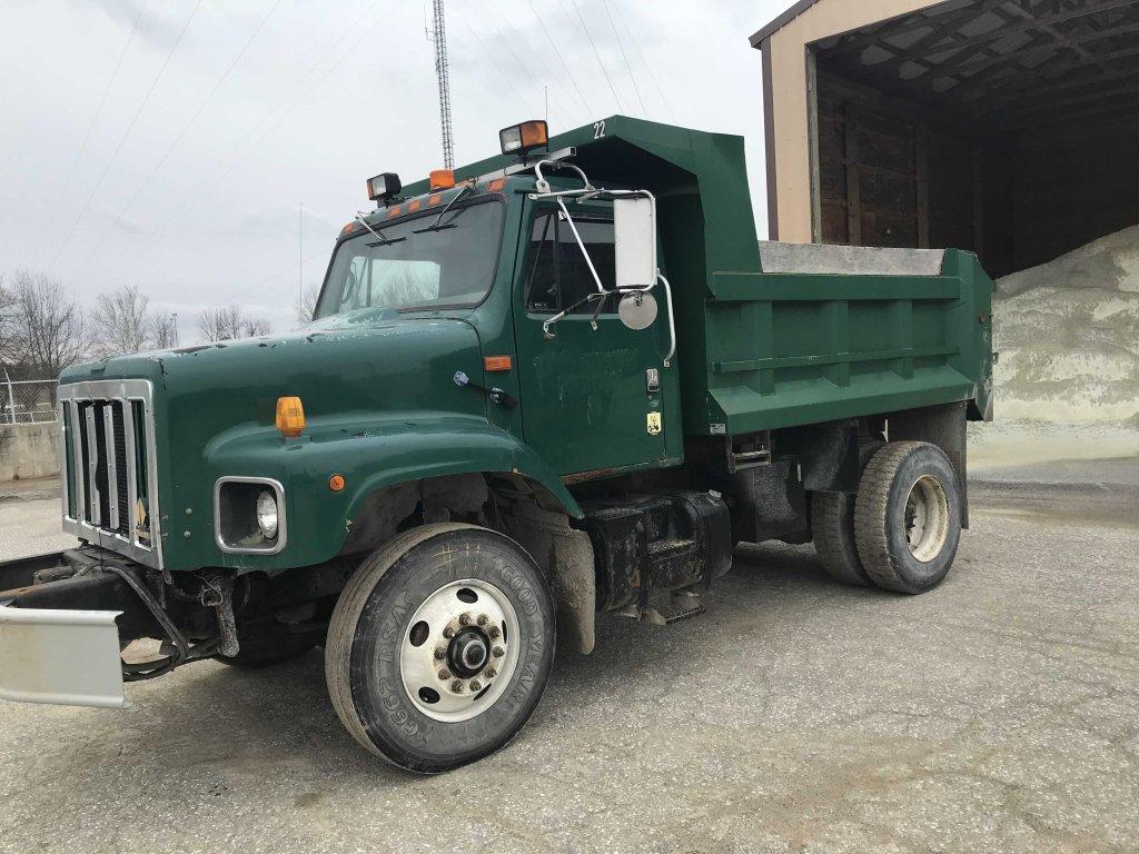 2000 International dump truck  (fleet #22)