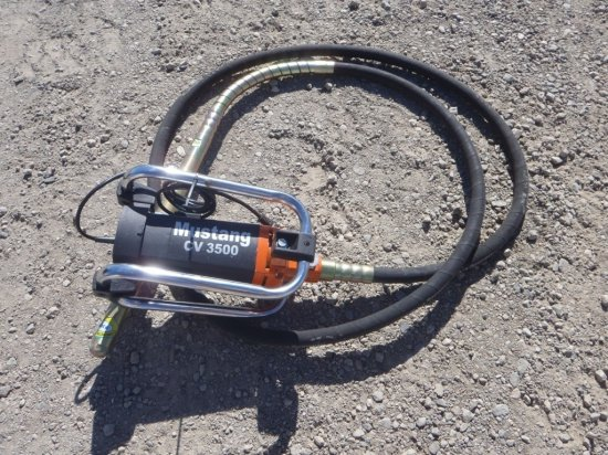 Unused Mustang CV 3500 Concrete Vibrator,
