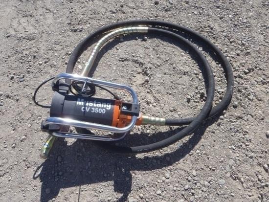 Unused Mustang CV 3500 Concrete Vibrator,