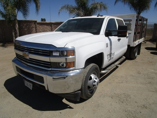 2016 Chevrolet 3500HD S/A Crew-Cab Flatbed Truck,