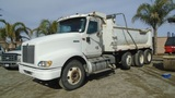2001 International 9400i Super-10 Dump Truck,