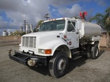 International 4800 S/A Water Truck,