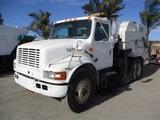 2002 International 4700 S/A Sweeper Truck,