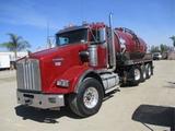 2013 Kenworth T800 4-Axle Vacuum Water Truck,