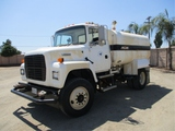 Ford L8000 S/A Water Truck,