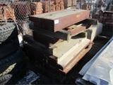 (4) Metal & Concrete Lifting Blocks