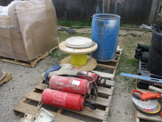 Lot Of 3.5 Gallon Hand Pump Sprayers,