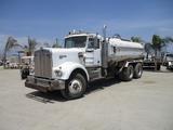 Kenworth W900 T/A Water Truck,