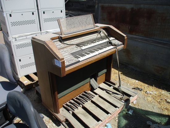 Schafer & Sons 05.10 Piano